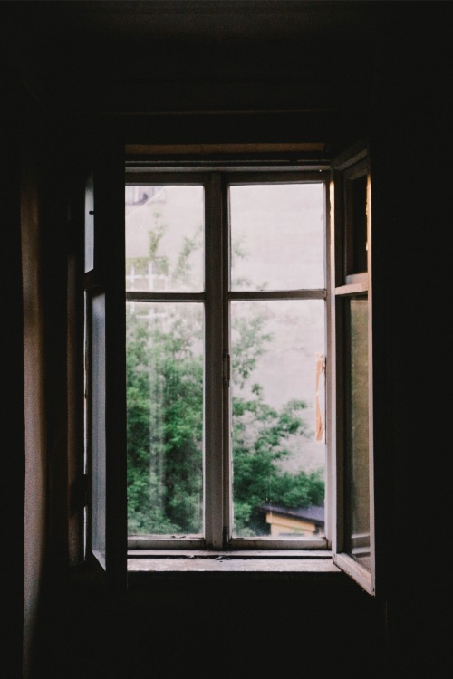 cottage window | minimalism